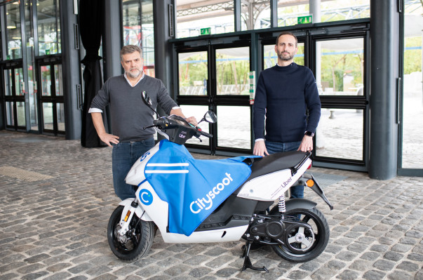 Uber integrates electric moped service Cityscoot in Paris